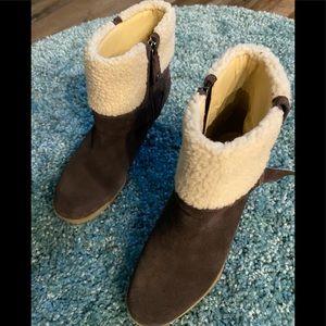 Isaac Mizrahi wedge heel winter boots.